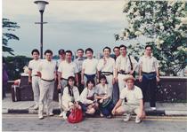 初の海外研修25名 シンガポールへ